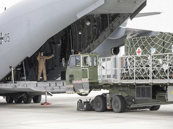 The German Air Force loading the A400M with medical equipment. (Photo: German Embassy India/Twitter)
