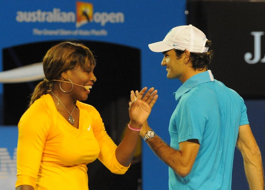 Serena Williams and Roger Federer take part in an exhibition tennis match in Melbourne in January 2010 (AFP Photo/PAUL CROCK)