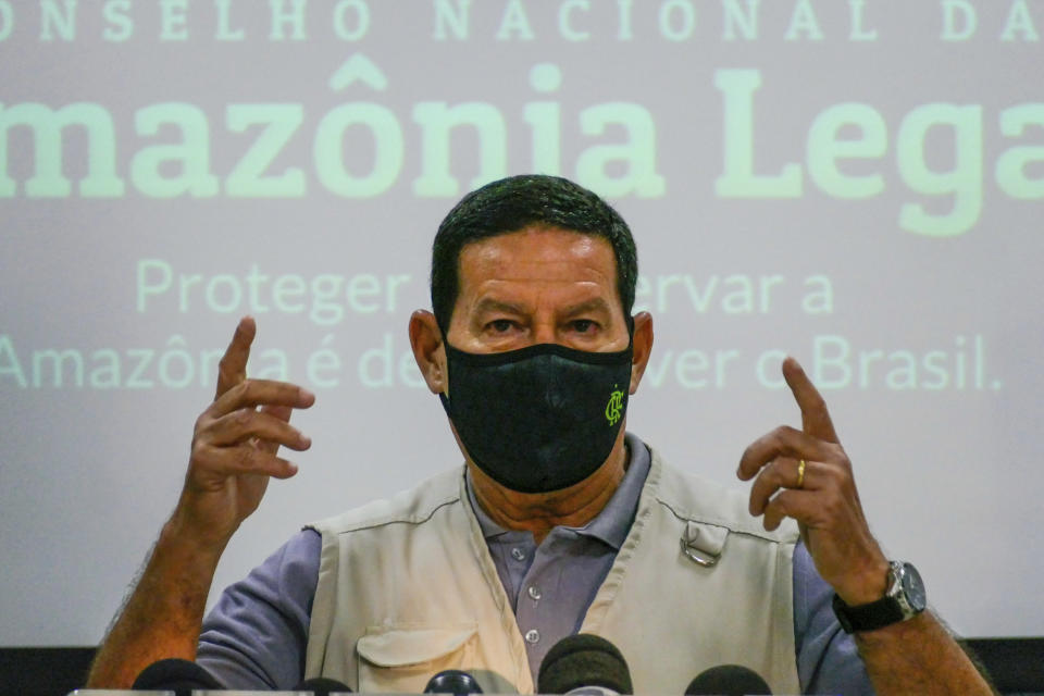 Hamilton Mourão, Vice President of the Republic, visiting the Operational Management Center of the Amazon Protection System (CENSIPAM), this Wednesday, November 4, 2020, in the Tarumã neighborhood, in Manaus, Brazil. (Photo: Sandro Pereira/Fotoarena/Sipa USA)(Sipa via AP Images)