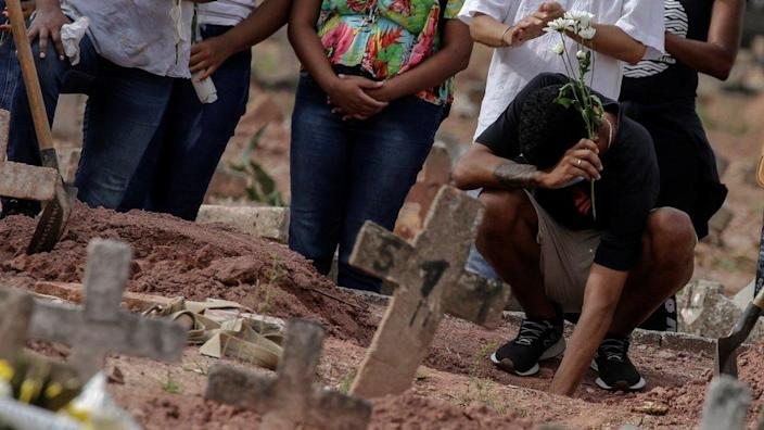 Dear relatives of Covid-19 victims are buried