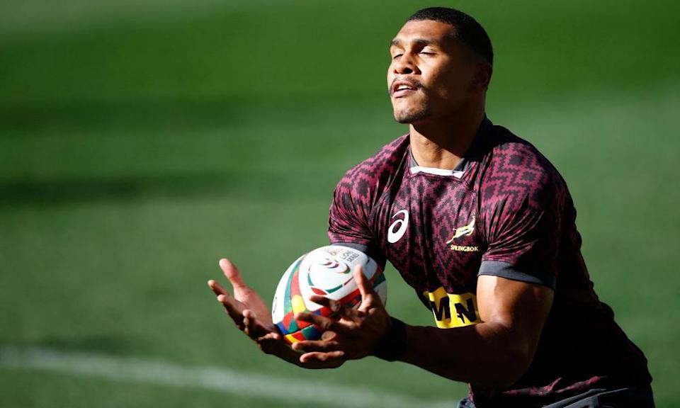 South Africa's Damian Willemse catches the ball during the captain's run at Cape Town Stadium on Friday.