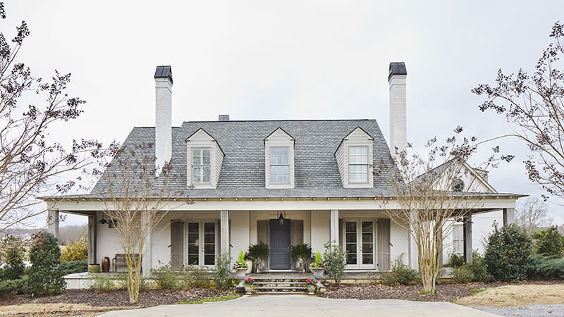 """<p><a href=""""https://houseplans.southernliving.com/plans/SL2007"""" rel=""""nofollow noopener"""" target=""""_blank"""" data-ylk=""""slk:Plan SL-2007"""" class=""""link rapid-noclick-resp"""">Plan SL-2007</a></p> <p>You don't need to have a lakeside lot to build this dream house. Take a twirl through to see rustic details, gorgeous built-ins, and wide-open living spaces that still feel perfectly defined. </p>"""