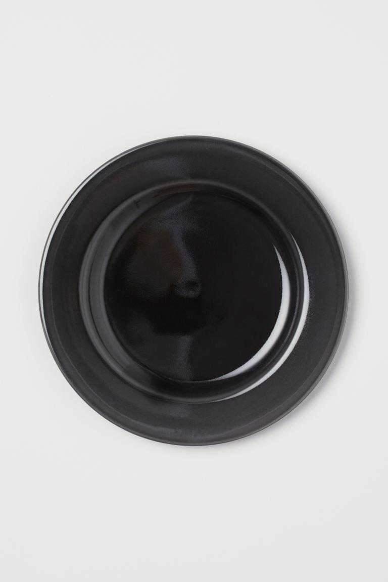 <p>How cool is this <span>H&amp;M Ceramic Plate</span> ($13)?</p>