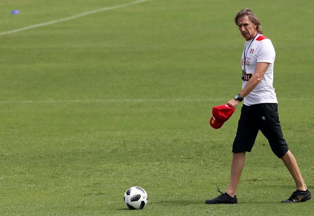 Soccer Football - International Friendly - Peru vs Croatia - Peru's training - Lima, Peru - March 16, 2018 Peru's coach Ricardo Gareca attends a training session. REUTERS/Mariana Bazo