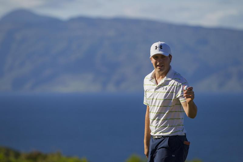 Spieth with a chance to start the year with a win