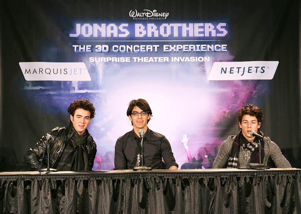 "It was a disappointing week for Kevin, Joe, and Nick Jonas. Despite lofty expectations, the brothers' 3-D concert film finished second at last week's box office. The movie's soundtrack also failed to debut at number one on the charts, falling behind Taylor Swift's ""Fearless"" album. To add insult to injury, Taylor is Joe's ex-girlfriend! Jay West/<a href=""http://www.splashnewsonline.com"" target=""new"">Splash News</a> - March 1, 2009"