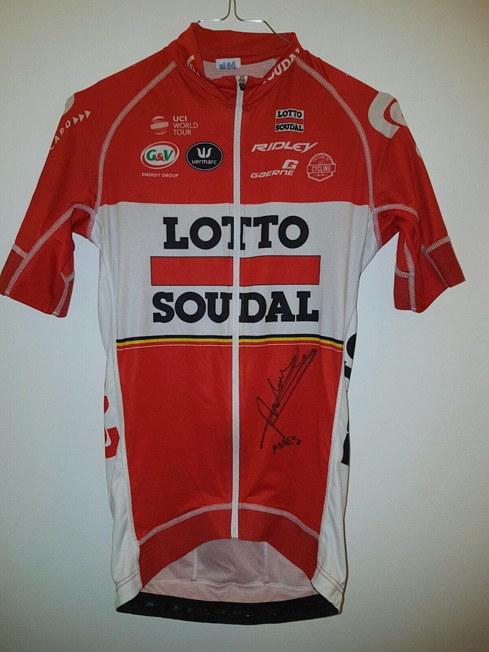 A Nikolas Maes-signed Lotto Soudal jersey – worn by him at the 2017 Prudential RideLondon-Surrey Classic – for sale on eBay