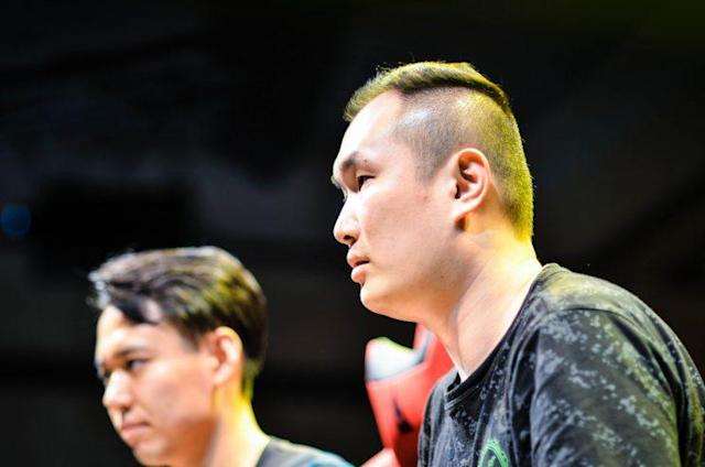 "Capcom Cup 2016's #1 seed Team Razer's Seon-woo ""Infiltration"" Lee (right) (Rose Silvestre)"