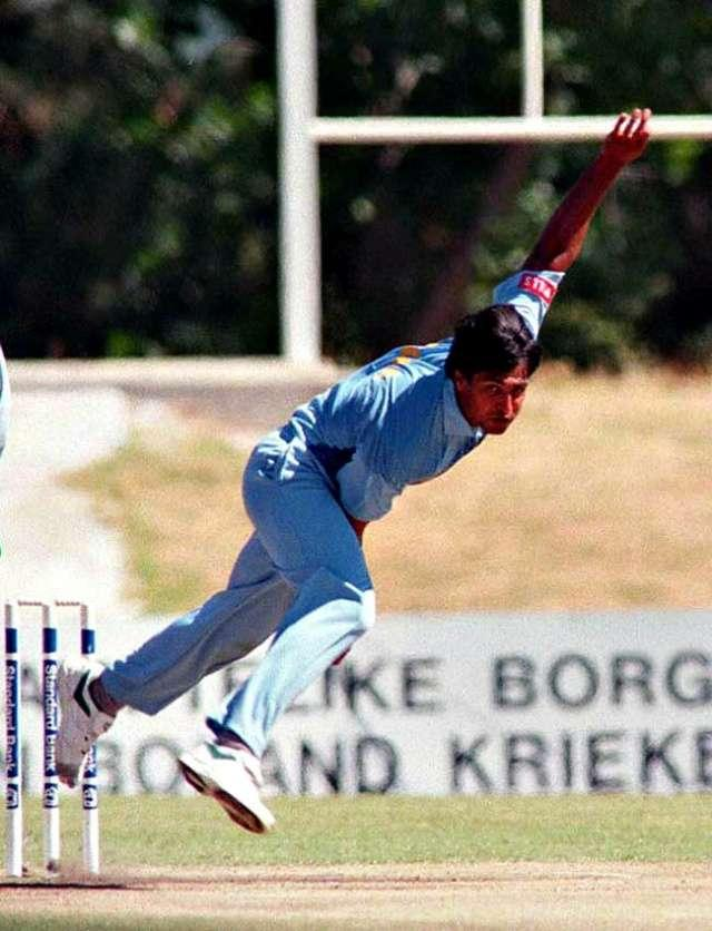 Salil Ankola in action during a match (Picture courtesy – Indiatimes)
