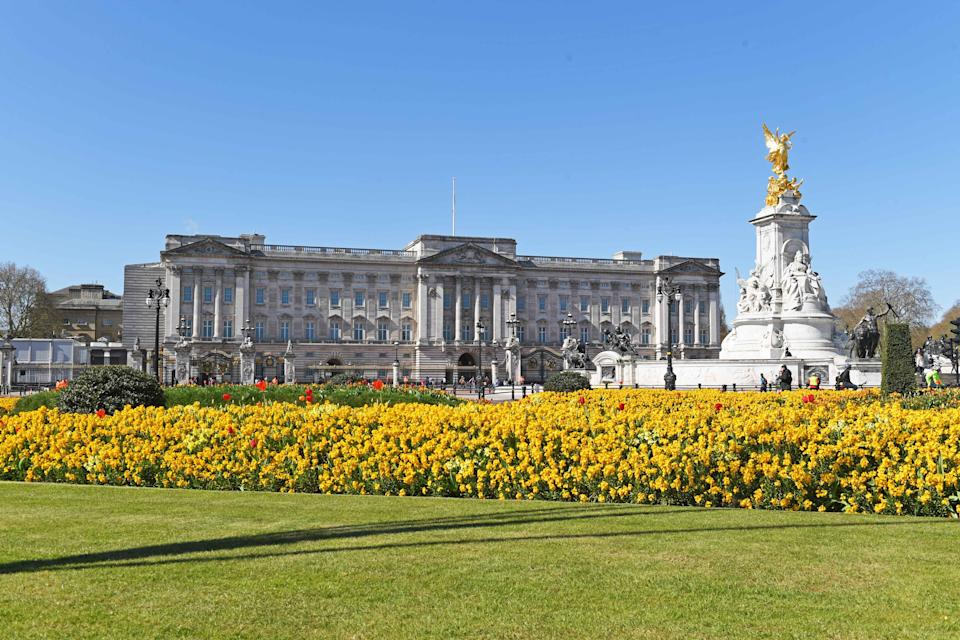 LONDON, ENGLAND - APRIL 17: A general view of Buckingham Palace on April 17, 2021 in London, England. The Duke of Edinburgh travelled extensively during his Royal Naval service.  As Prince Consort to HM Queen Elizabeth II he visited 144 countries, he was fluent in French and German. The youth scheme he set up in 1956, The Duke of Edinburgh's Award, is now held in 143 different countries. The Duke died, age 99, at Windsor Castle on April 9, 2021, and his funeral is held today, also at Windsor. (Photo by Stuart C. Wilson/Getty Images)