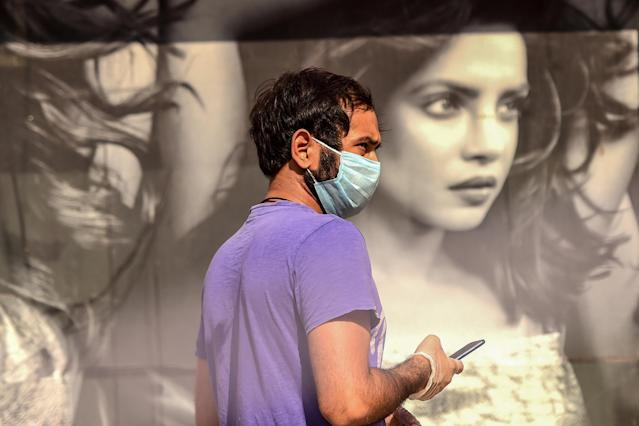 A man wears a mask in Gurgaon, India. (Getty Images)
