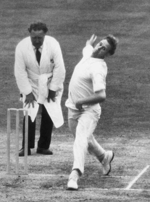 5th August 1965:  CHECK HI-RES IF SUPPLYING DIGITALLY England and Lancashire fast bowler Ken Higgs, in action against Surrey at the Oval.  (Photo by Ted West/Central Press/Getty Images)