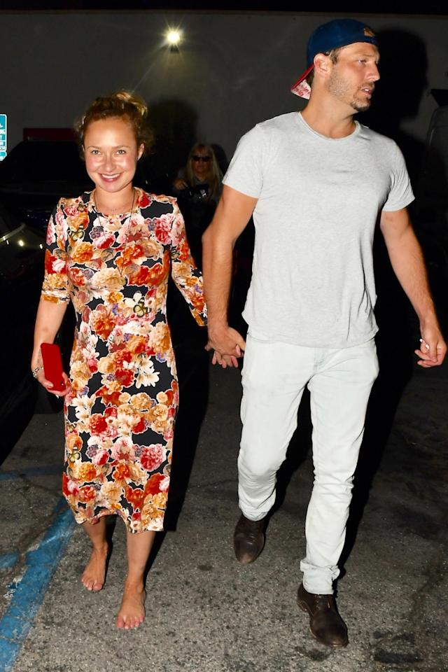 Hayden Panettiere goes barefoot after dinner at Craig's with a mystery man. (Photo: Clicksnap/Backgrid)