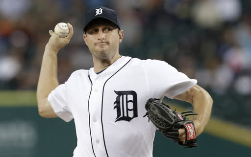 Detroit Tigers pitcher Max Scherzer throws against the Chicago White Sox in the first inning of a baseball game in Detroit, Friday, Sept. 20, 2013. (AP Photo/Paul Sancya)