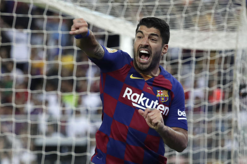 Barcelona striker Luis Suárez to undergo knee surgery