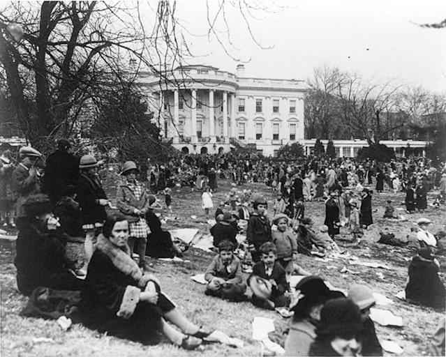 <p>Egg rolling at Easter at the White House in Washington, April 5, 1926. (Photo: Library of Congress) </p>