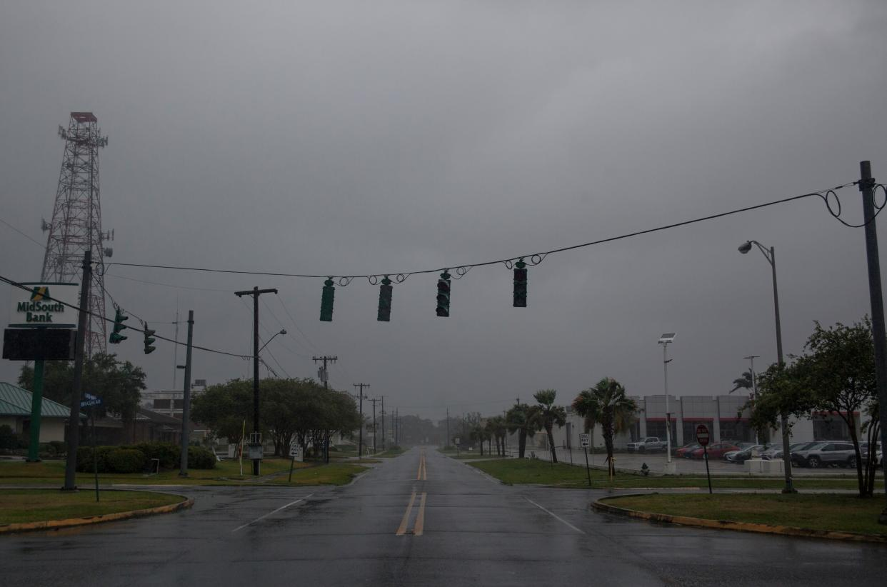 Traffic lights are seen without power in Morgan City, Louisiana ahead of Tropical Storm Barry, July 13,2019. (Photo: Seth Herald/AFP/Getty Images)