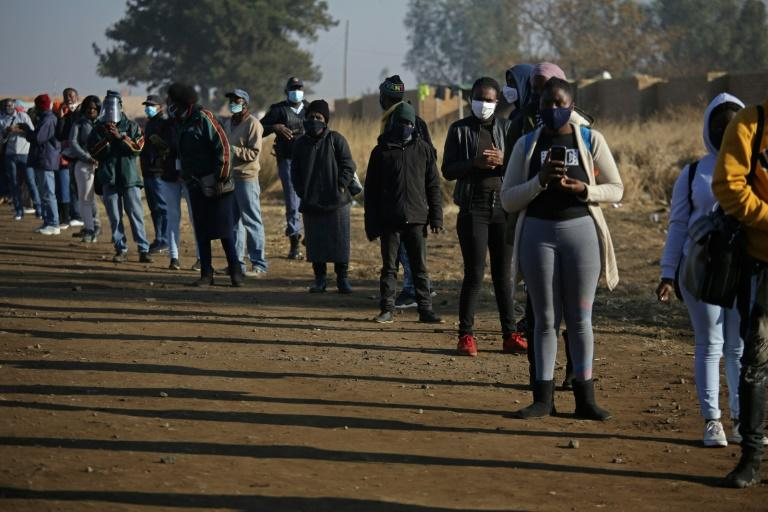S. Africa to 'cautiously' reopen borders as lockdown eases