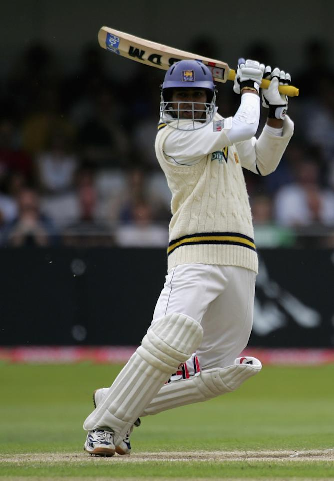 NOTTINGHAM, UNITED KINGDOM - JUNE 04: Tillekeratne Dilshan of Sri Lanka hits out during day three of the third npower test match between England and Sri Lanka at Trent Bridge, on June 4, 2006 in Nottingham, England.  (Photo by Clive Rose/Getty Images)