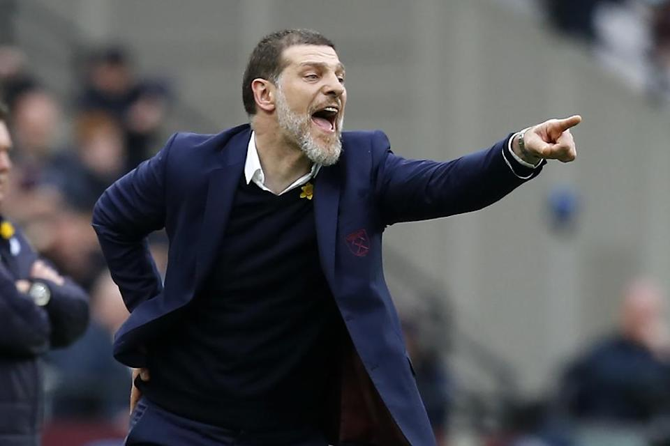 West Ham United's Slaven Bilic shouts instructions during his side's league match against Leicester City at The London Stadium, on March 18, 2017 (AFP Photo/Ian KINGTON)