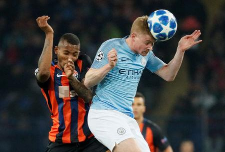 Soccer Football - Champions League - Group Stage - Group F - Shakhtar Donetsk v Manchester City - Metalist Stadium, Kharkiv, Ukraine - October 23, 2018  Manchester City's Kevin De Bruyne in action with Shakhtar Donetsk's Fernando   REUTERS/Gleb Garanich