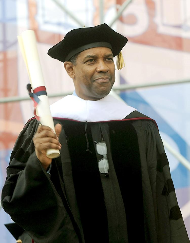 "Doesn't Denzel Washington look regal in his academic regalia? We think so! The ""Flight"" star spoke at the University of Pennsylvania's 2011 commencement ceremony. (5/16/2011)<br /><br />"