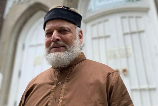 Amjed Syed, 77, was the caretaker at Jami Mosque in the High Park neighbourhood. He died Monday after contracting COVID-19. (Submitted by Jami Mosque - image credit)