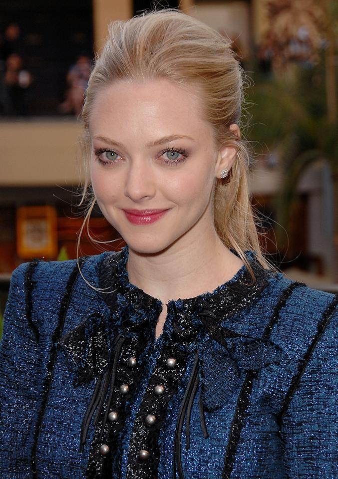 """<a href=""""http://movies.yahoo.com/movie/contributor/1808545150"""">Amanda Seyfried</a> at the Hot Topic fan event in Los Angeles for <a href=""""http://movies.yahoo.com/movie/1809969195/info"""">Jennifer's Body</a> - 09/16/2009"""