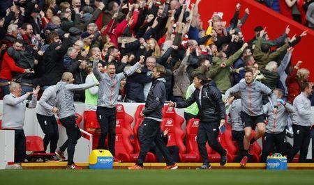 Britain Soccer Football - Liverpool v Everton - Premier League - Anfield - 1/4/17 Liverpool manager Juergen Klopp celebrates after the second goal scored by Philippe Coutinho (not pictured) Reuters / Phil Noble Livepic