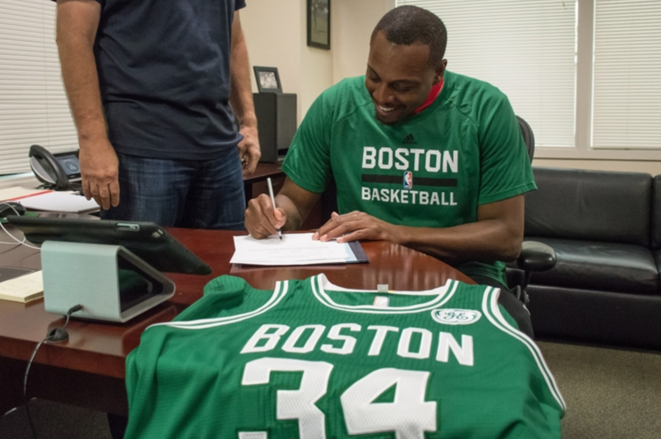 low priced c3f0a 03f0c Paul Pierce signs with Celtics so he can retire where it all ...