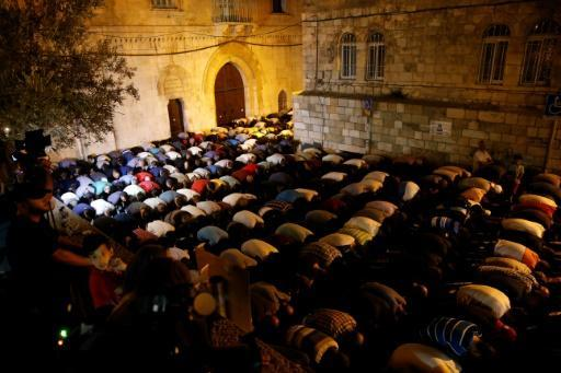 Israel removes holy site metal detectors as Muslims continue boycott