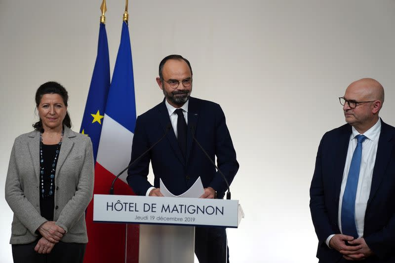French PM, unions fail to break pension strike deadlock as Christmas looms