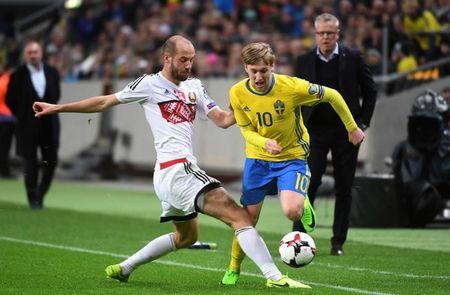 Football Soccer - Sweden v Belarus - 2018 World Cup Qualifiers European Zone - Friends Arena, Solna, Sweden - 25/03/17. Belarus' Ivan Mayewski and Sweden's Emil Forsberg in action. Fredrik Sandberg/TT News Agency via REUTERS