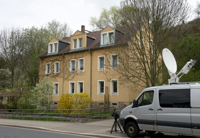 German anti-terror police arrested five far-right extremists in April 2016 during a raid on this apartment building in Freital, eastern Germany
