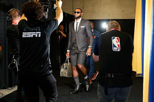 LeBron James of the Cleveland Cavaliers arrives for Game 1 of the 2018 NBA Finals, at ORACLE Arena in Oakland, California, on May 31, 2018 (AFP Photo/Lachlan Cunningham)