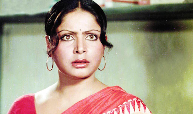 Gulzaar had laid out a condition before her, prior to the wedding: she must quit movies. She was at the prime of her career, but marriage was paramount also. Months after their marriage, she gave birth to their daughter, Meghna. But, it isn't that easy to cage an artist after all, is it? Rakhee hoped, though Gulzar disapproved of her working in movies by others, he would at least consider her for his directorials. To her dismay, Gulzar never showed any interest in featuring her in his films either.
