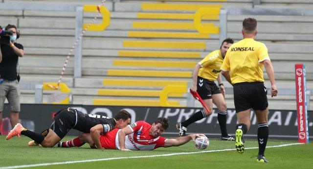 Lachlan Coote scores St Helens' first try