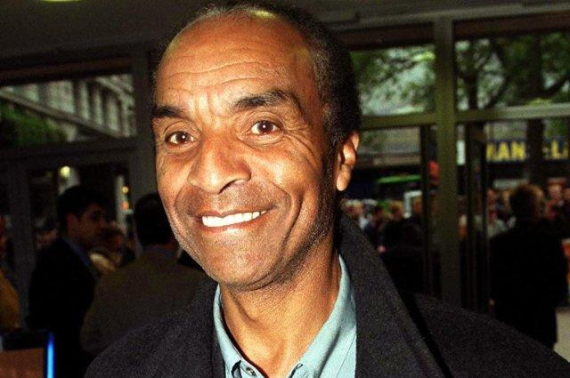 Tributes paid to singer and actor Kenny Lynch after he dies aged 81