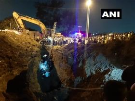 5 trapped in drainage hole in Pune, rescue operation underway