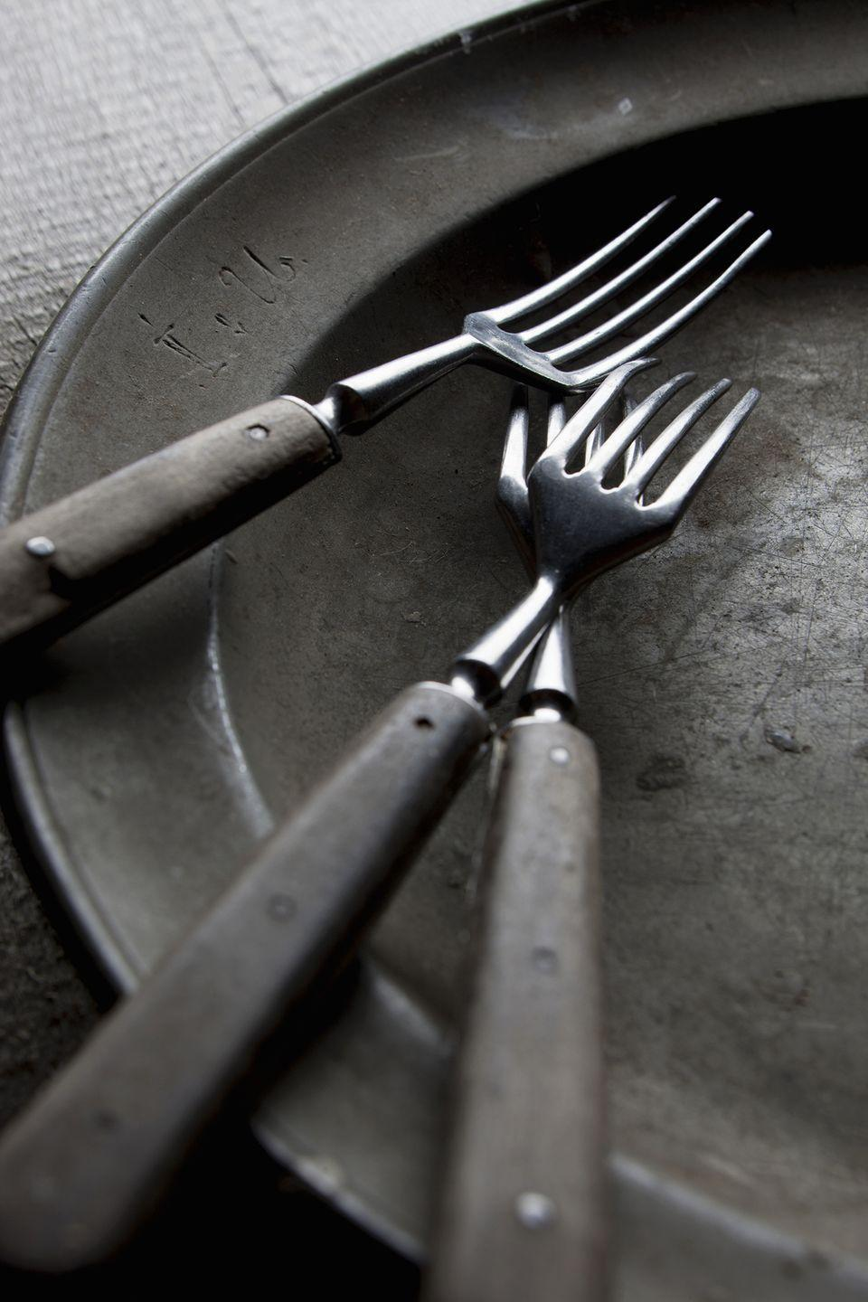 <p>Cheaply made utensils can cause metals and chemicals to leach and contaminate your food, but sterling silver and stainless steel are safe to use. </p>