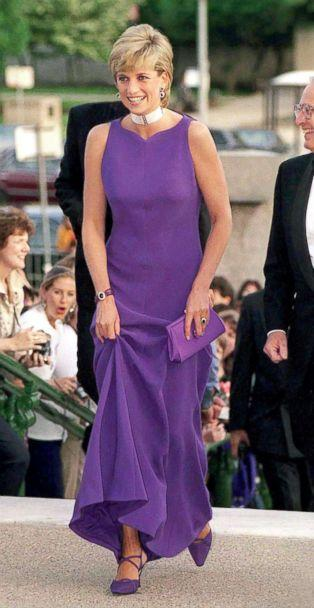 PHOTO: Princess Diana arrives for at the Field Museum Of Natural History in Chicago, June 5, 1996. Diana is wearing a dress designed by fashion designer Versace and shoes by Jimmy Choo. (Tim Graham/Getty Images)