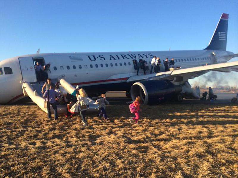Plane that aborted takeoff removed from Pa. runway