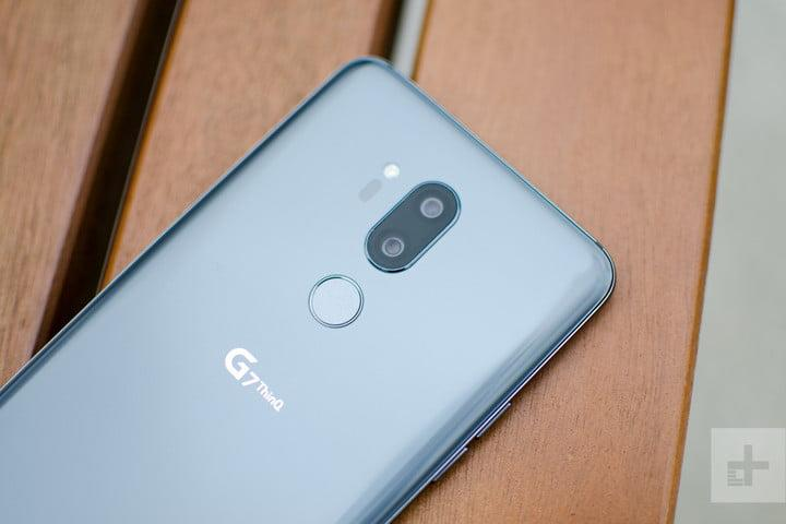 lg g7 thinq hands on back top half angle