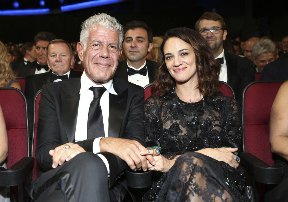Anthony Bourdain and girlfriend Asia Argento at the 2017 Creative Arts Emmy Awards, Sept. 9, 2017. (Photo: John Salangsang/Invision for the Television Academy/AP Images)