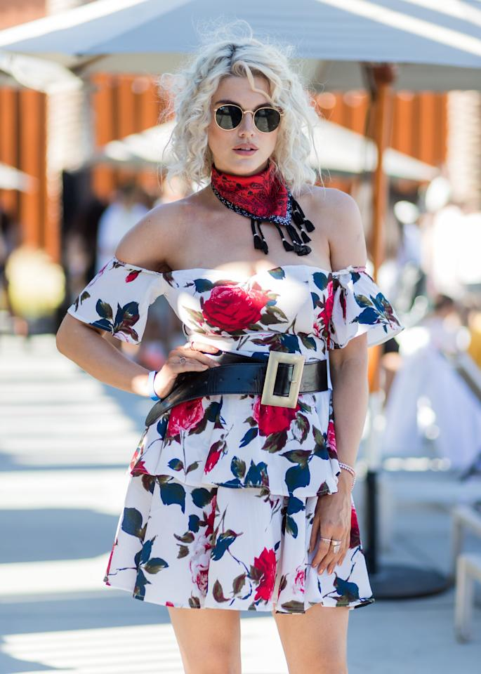 <p>Accentuate your waist by adding a statement belt.</p>