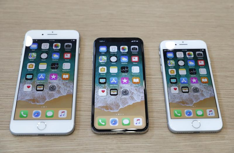 (L-R) iPhone 8 Plus, iPhone X and iPhone 8 models are displayed during an Apple launch event in Cupertino, California, U.S. September 12, 2017: REUTERS/Stephen Lam