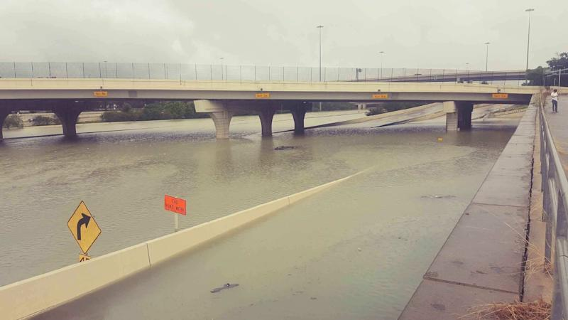 Flooding on Interstate 10 outside of Houston. (David Lohr/HuffPost)