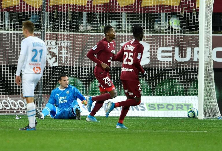 Opa Nguette (L) scored his fourth Ligue 1 goal of the season for Metz