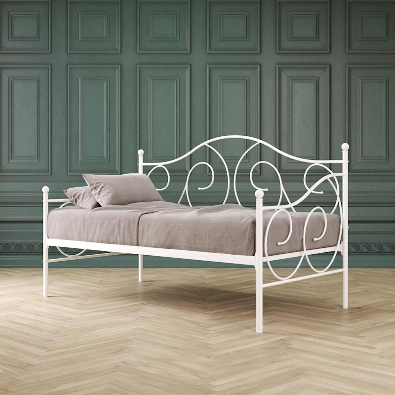 Victoria Twin Size Metal Daybed (Walmart / Walmart)