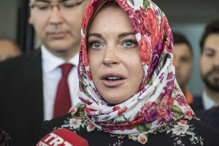 Lindsay embraced the Muslim culture whilst helping refugees.
